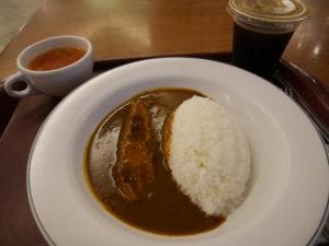 台北101ビル地下一階の東京カレーで食べたチキンカレー