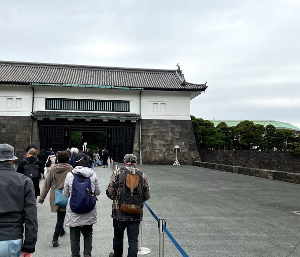 皇居に行って、大嘗祭のお宮を参観してきたよ